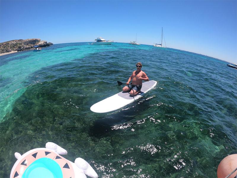 EQUADOR-Carnac-Island-paddle-board