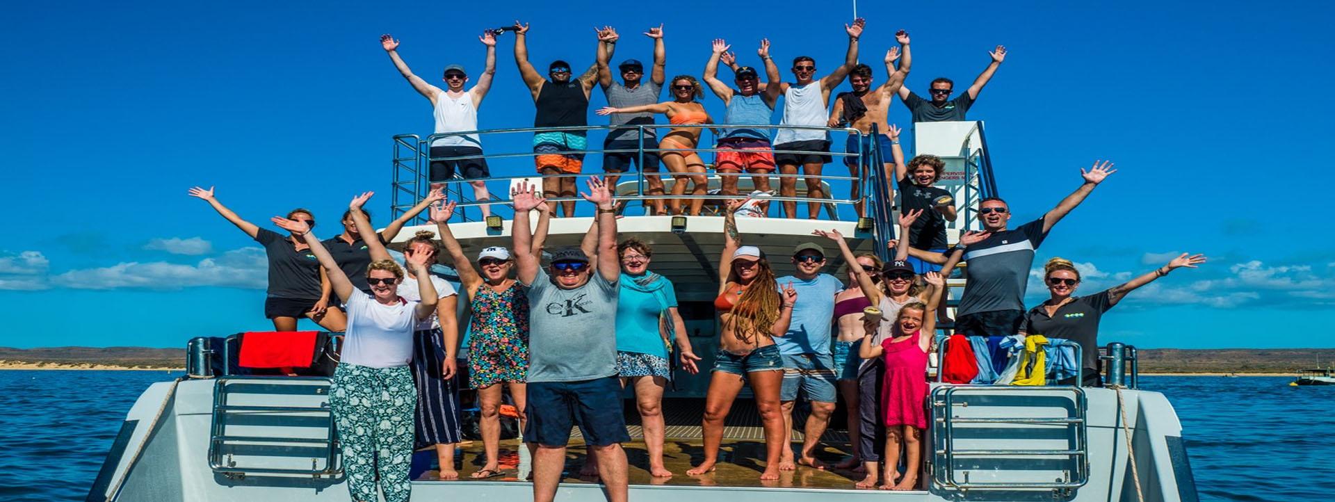 LATITUDE-22-People-on-Deck