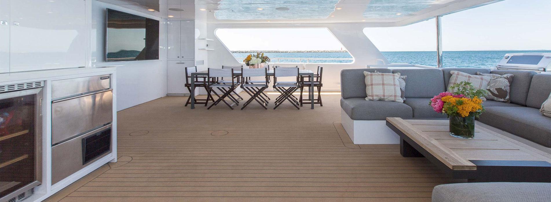 OCEAN-DREAM-back-dining-area-kitchenette