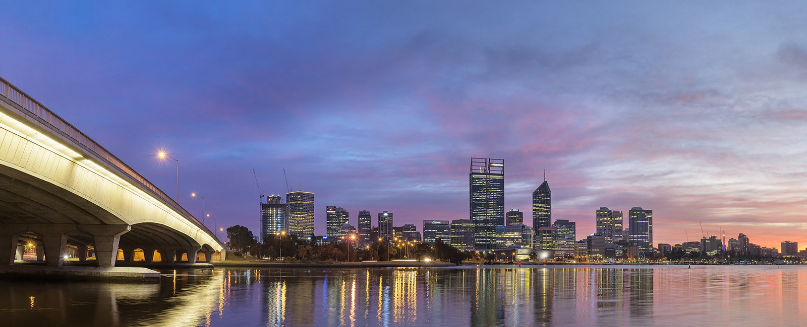 PERTH CITY-SKYLINE-AT-NIGHT