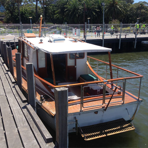 VLAMING rear view boat charters