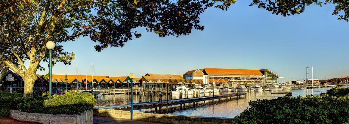 Hillarys Harbour jetty boats