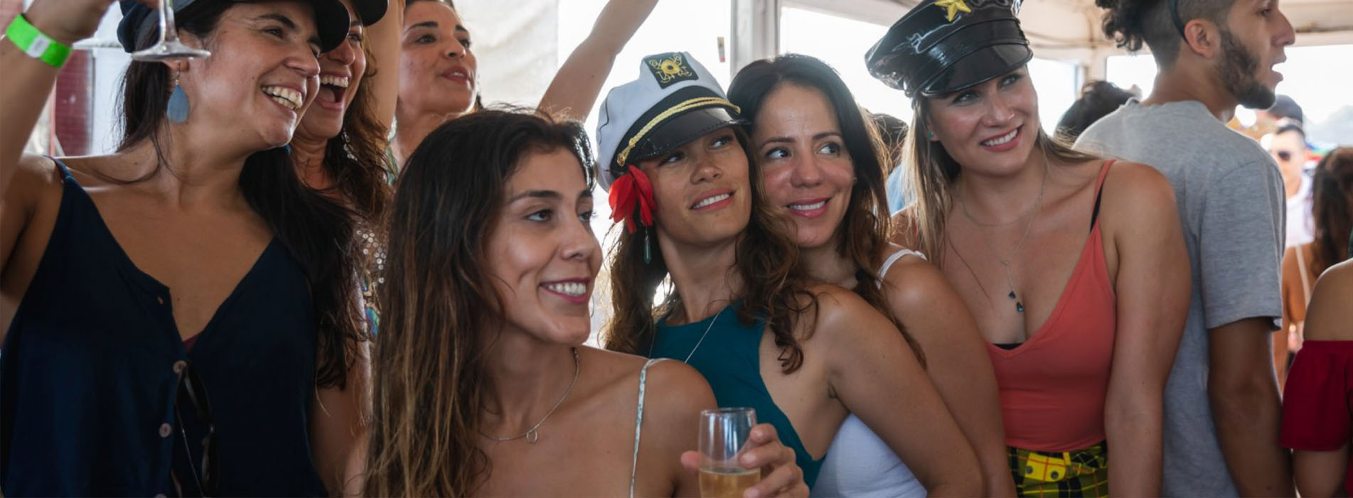 PADDLE SHIP DECOY good looking girls party
