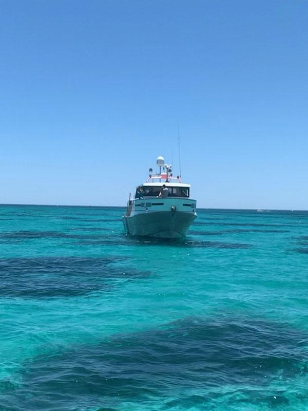 TWO SEAS blues water Carnac Island cruises