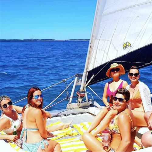 GIRLS HENS ROTTNEST ISLAND BOAT HIRE