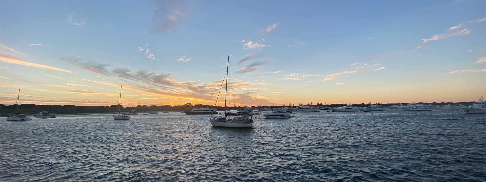 ROTTNEST ISLAND TWILIGHT SUNSET THOMSON BAY